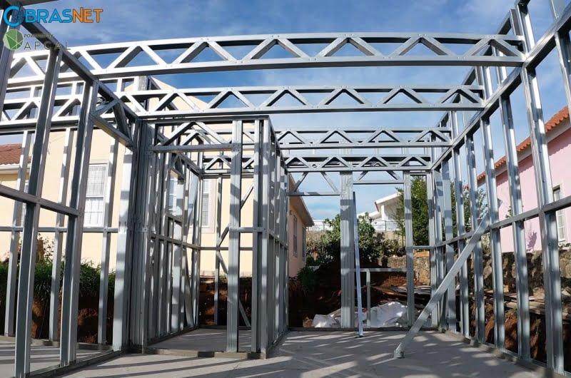Perfil estrutural em lsf aço carbono